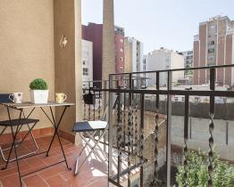 The vintage modern apartment next to Sagrada Familia