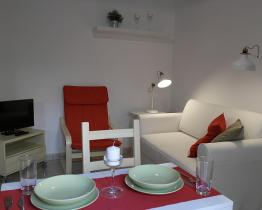 Cute small apartment for rent in Barceloneta