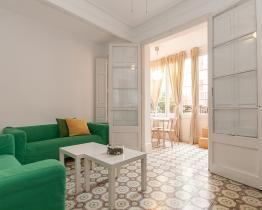 Piso con terraza en alquiler en Sant Antoni
