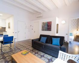 Rent furnished apartment near Park Güell