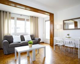 Three bedroom apartment for rent in Eixample