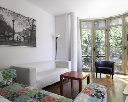 Big and bright apartment with terrace, Eixample