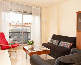 Sunny and practical apartment in Poblenou