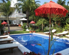 Home with private pool in Sitges