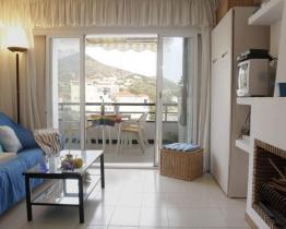 Sitges alojamiento vacacional con jardín, piscina y terraza