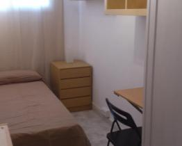 Single room for student in Hospitalet