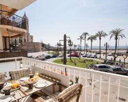 Современные апартаменты с видом на море, Ситжес