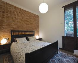 Vintage apartment for long term rentals, Sants
