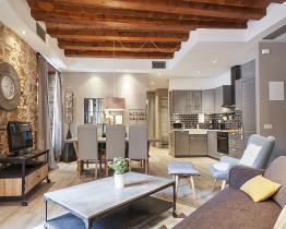Impressive apartment in central Barcelona