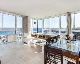 Amazing beach front apartment in Barcelona