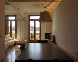 Loft type apartment in front of Sant Antoni Market