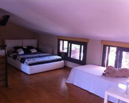 Habitación ático en piso compartido Sabadell