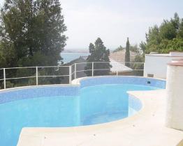 Encantador apartamento con piscina en Roses