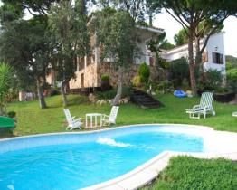 Charming family home with pool, Lloret de Mar