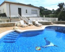 House with private pool on the Costa Brava