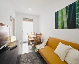 Acogedor apartamento con 2 habitaciones cerca de Plaça Universitat