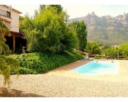 Villa mediterránea con magníficas vistas de Montserrat