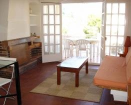 2 bedroom holiday apartment with terrace in Llançà