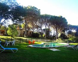 5 bedroom home with expansive garden and pool, Santa Cristina d'Aro