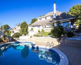 Fabelhafte Villa mit gemütlicher Inneneinrichtung und Pool, Tamarit
