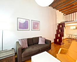 Apartamento dúplex cerca del mercado de Sant Antoni