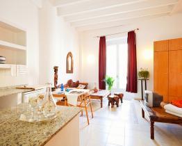Ljus och central enrumslägenhet uthyres i Barcelona - ideal för par