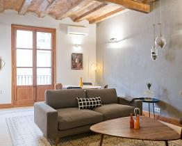 Vintage apartment in the heart of Barcelona