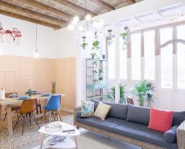 To roms leilighet med privat terrasse