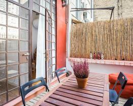 Piso encantadpr con terraza en el centro de barcelona, Eixample