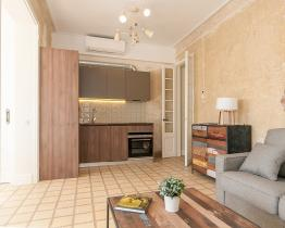 Large apartment with 3 bedrooms and 2 bathrooms