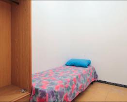 Single bedroom near Sagrada Familia