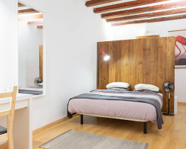 Beautiful flat in Central Barcelona for 2
