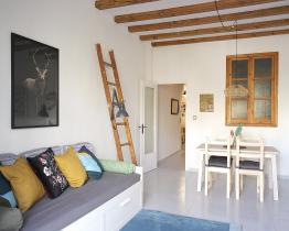 Si buscas un lugar con encanto, este acogedor apartamento es ideal.