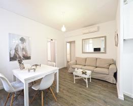 Acogedor apartamento interior de 3 habitaciones en Les Corts (BCN)