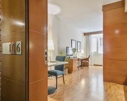 Стильная однокомнатная квартира Sant Gervasi