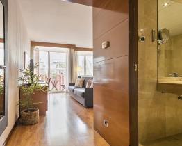 Spazioso appartamento con balcone Sant Gervasi