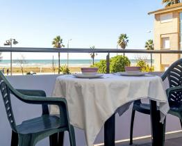 Studio apartment in Castelldefels with balcony