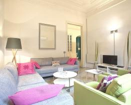 Spacious apartment for groups in the heart of Barcelona