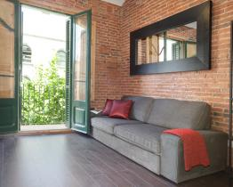 Apartment in Sagrada Familia Square