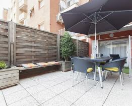 Flat with terrace in Barcelona for groups
