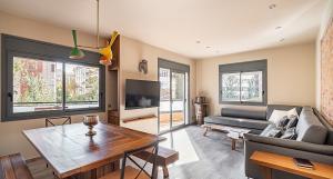 3 balcony luxury apartment