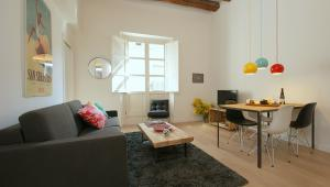 Ramblas deluxe One Bedroom Apartments
