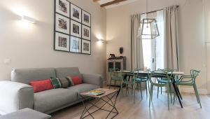 Suites Sant Antoni Market 21 3 hab c/Terraza