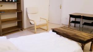 Habitación con baño privado - PL. CATALUÑA
