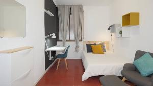 Amplia habitación de cama doble en Gracia, RH20-R3