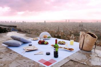 Complete Picnic service in the Best Spots of Barcelona