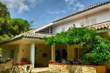 Casa de estilo colonial, Cabrils