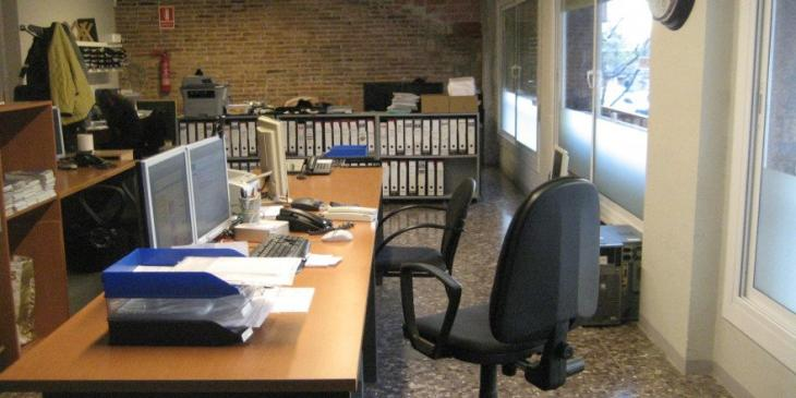 On sale office in calle viladomat barcelona barcelona home for Booking barcelona oficinas
