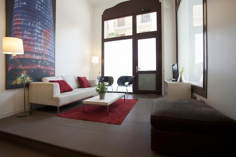 Precioso piso con 5 habitaciones, en Barcelona.