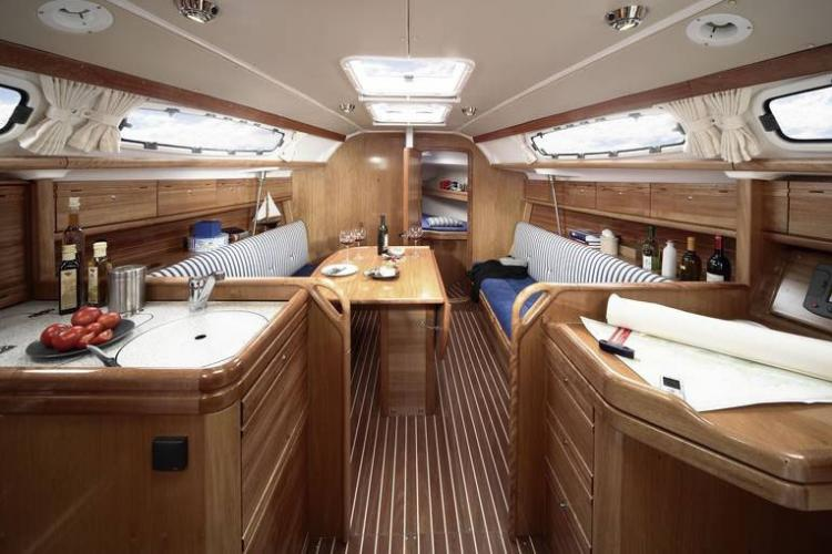 Luxus segelboot in puerto ol mpico barcelona home for Interieur 405